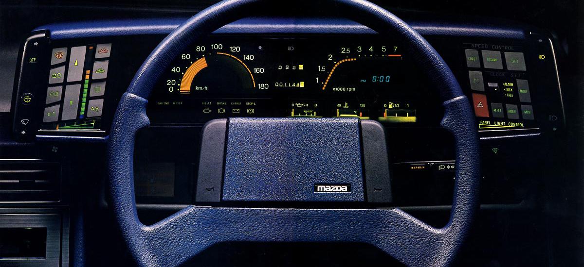 Mazda Cosmo HB - tablica rozdzielcza