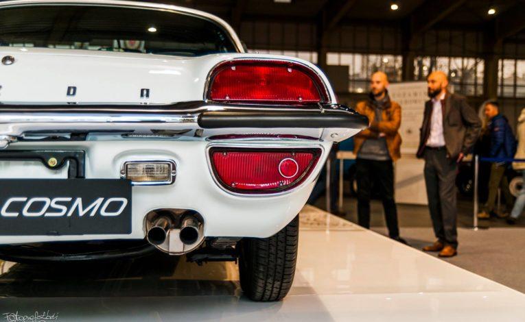 Mazda Cosmo Sport z tyłu