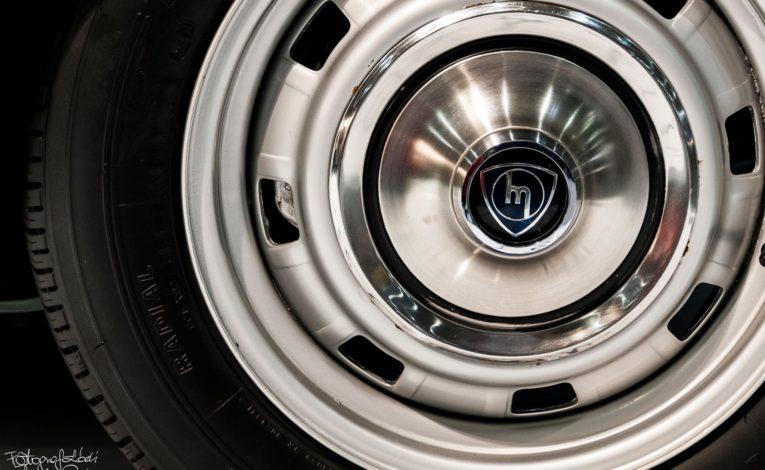 Mazda Cosmo Sport koło z bliska