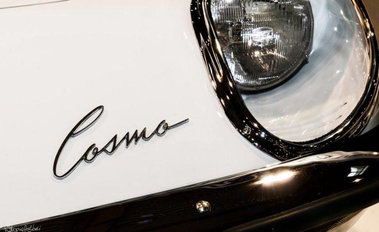 Mazda Cosmo Sport logo z bliska