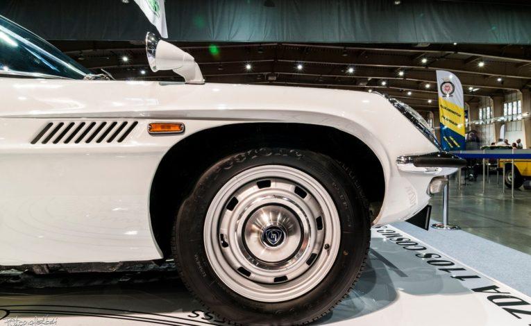 Mazda Cosmo Sport profil z bliska